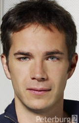 (James D'Arcy)