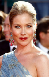 (Christina Applegate)